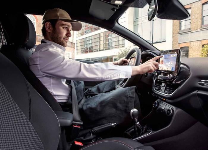 Ford fiesta van utilitaire intérieur